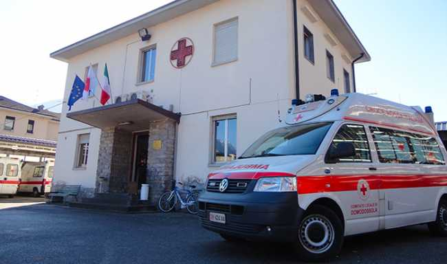 ambulanza sede domo croce rossa