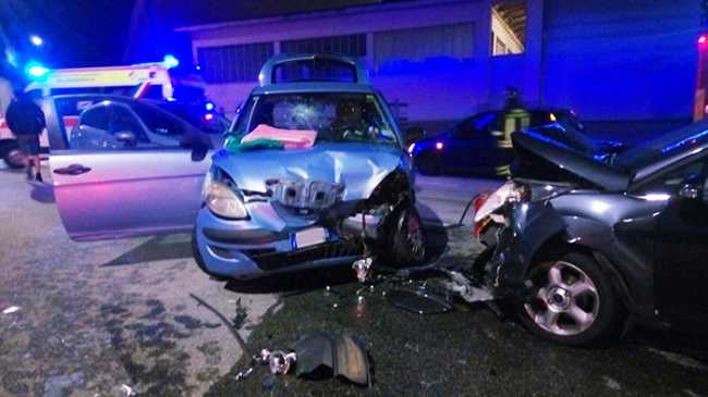 incidente frontale nosere set 17 a