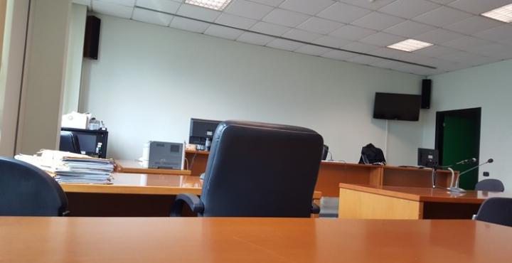 Lite tra costruttori sul muro abbattuto, assolto il tecnico: non disse il falso