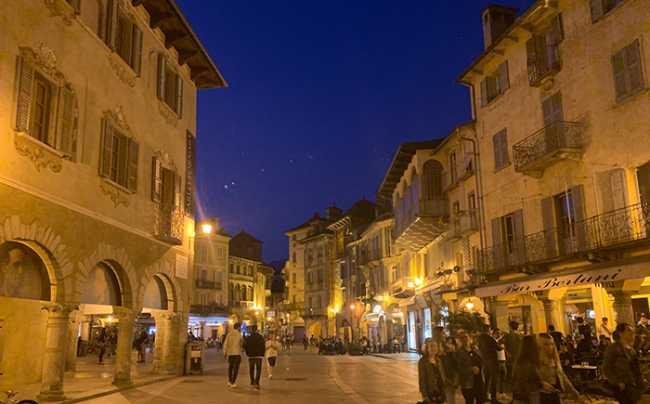 piazza mercato notte via briona